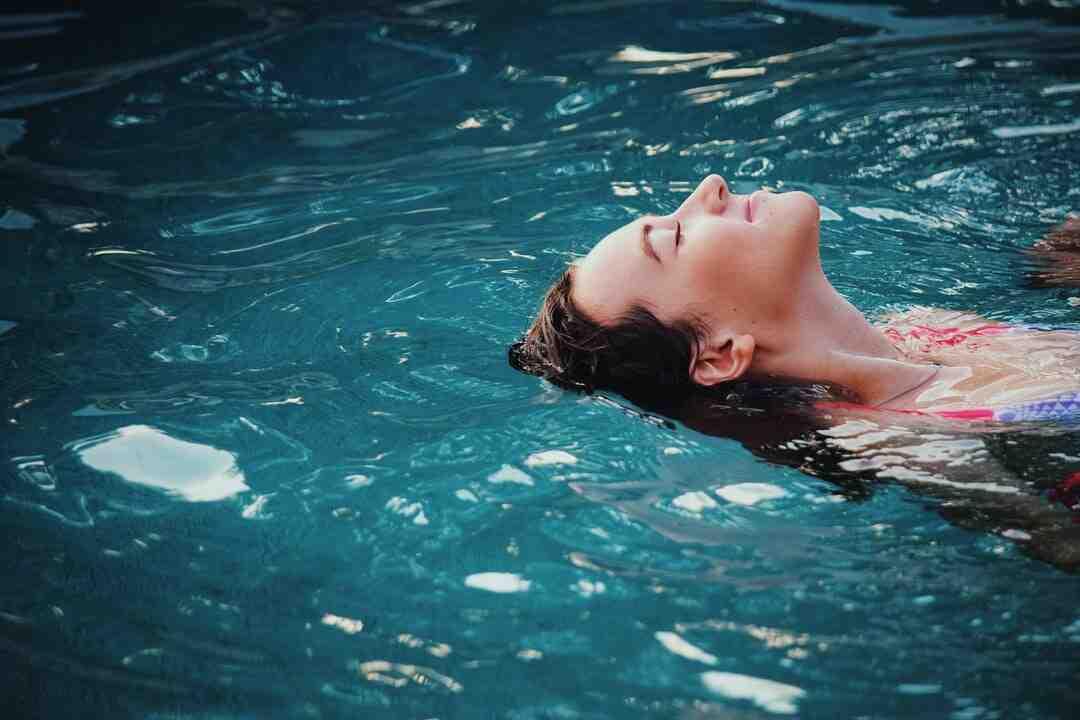 Comment mettre bache piscine intex